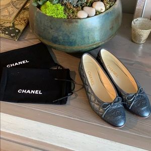 WORN ONCE - CHANEL CC Cap Toe Ballet Flats